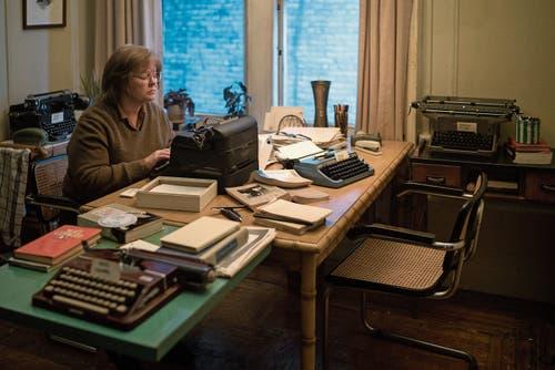 Für den Oscar nominiert: Melissa McCarthy spielt in «Can You Ever Forgive Me?» die gefallene Bestsellerautorin Lee Israel, die Briefe bekannter Persönlichkeiten fälschte und teuer verkaufte. (Bild: Twentieth Century Fox)