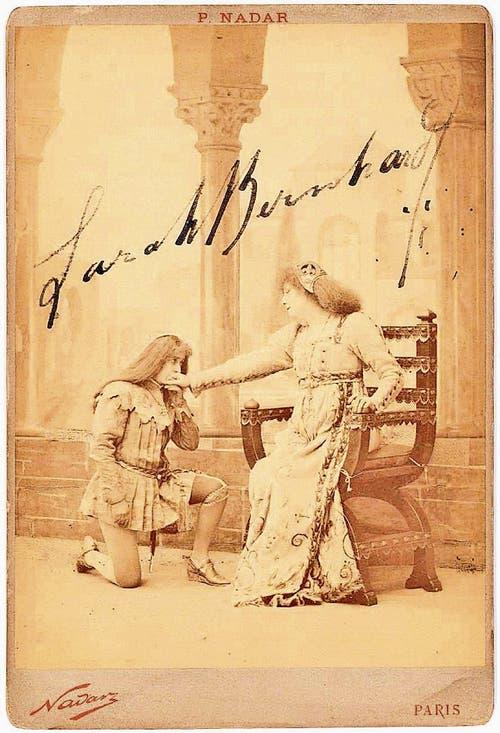 Von Experte David Löwenherz als Fälschungen enttarnt: Signaturen von Schauspielerin Sarah Bernhardt.