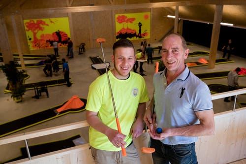 Betreiber Leo Muff und sein Sohn David freuen sich über die Eröffnung.