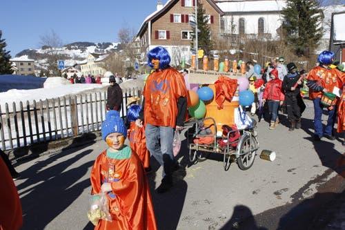 Kinderfasnacht in Nesslau. (Bild: Fränzi Göggel, 16.02.2019)