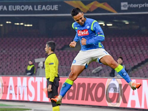 Adam Ounas freut sich über sein 2:0 (Bild: KEYSTONE/AP ANSA/CIRO FUSCO)