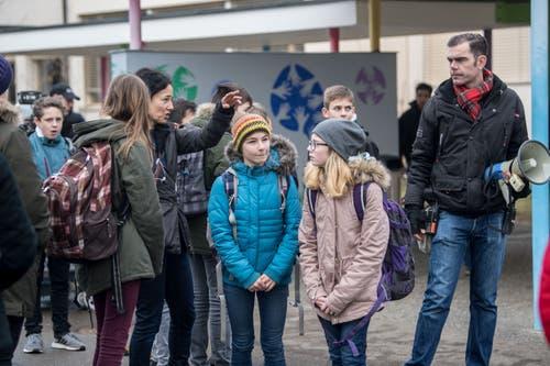 Das Schulhaus Georgette in Sursee ist einer der Filmorte im Kanton Luzern. Die Filmcrew dreht überdies in Rickenbach, Schachen und im Wauwilermoos.