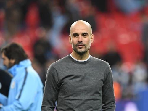 Manchester Citys Trainer Pep Guardiola holte seinen dritten Titel in England (Bild: KEYSTONE/EPA/NEIL HALL)