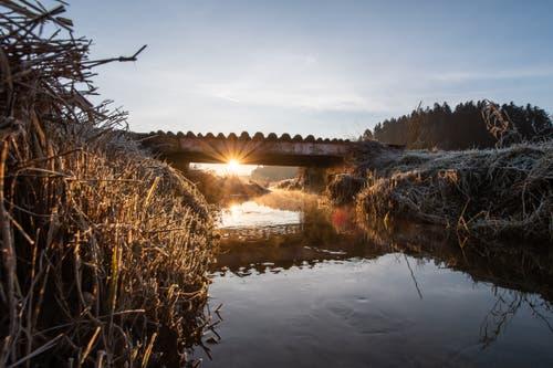 Die ersten Sonnenstrahlen im Ostergau. (Bild: Lars Schwarzentruber, 24 Februar 2019))