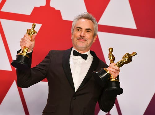 Alfonso Cuaron wird gleich dreifach ausgezeichnet: Er bekommt den Oscar für den besten Regisseur, den besten fremdsprachigen Film und beste Kameraarbeit für «Roma». (Photo by Jordan Strauss/Invision/AP)