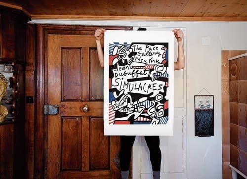 Knallig und schräg: Die Plakate von Jean Dubuffet kommen im Künstlerhaus Birli in Wald AR gut zur Geltung. (Bild: Felix Boekamp)