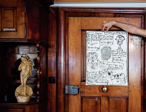 Ein weiteres Plakat von Dubuffet, der zu den grossen Künstlern der Moderne gehört. Die Fondation Beyeler richtete vor drei Jahren eine grosse Schau aus. (Bild: Felix Boekamp)