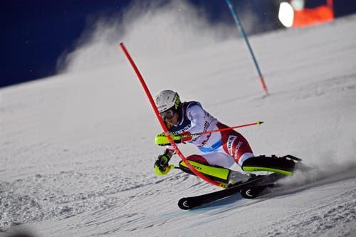 Wendy Holdener im Slalom. (Bild: Christian Bruna / EPA)