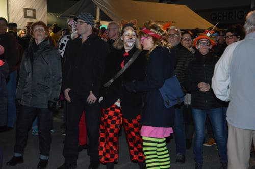 Viel Publikum an der «Chratzbörschte»-Verleihung und der anschliessenden Beizenfasnacht.