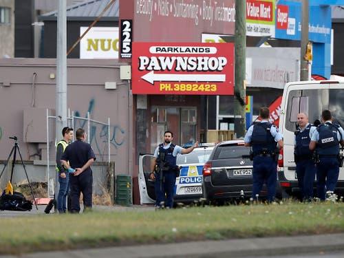 Bei zwei Angriffen auf Moschee in der neuseeländischen Stadt sind nach Regierungsangaben 40 Menschen ums Leben gekommen. (Bild: KEYSTONE/AP/MARK BAKER)