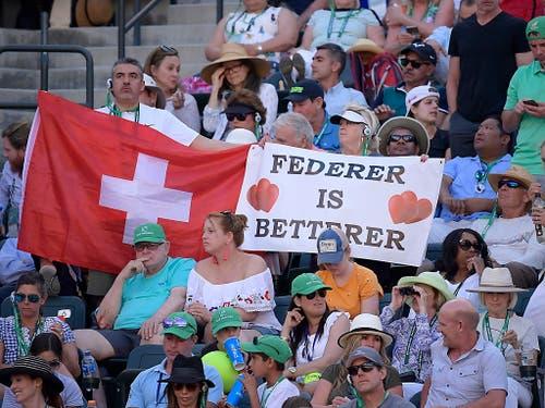 Diese Fans in Indian Wells hatten mit ihrem Transparent nur während der ersten Hälfte des Finals Recht (Bild: KEYSTONE/AP/MARK J. TERRILL)