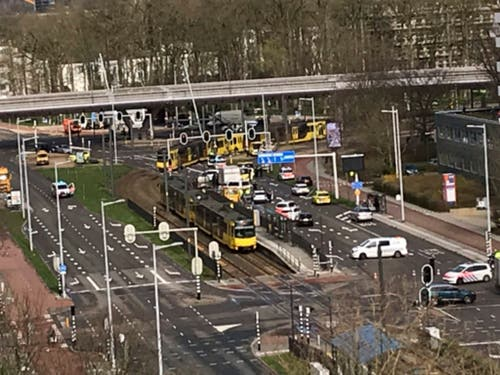 Blick auf den Tatort. (Bild: KEYSTONE/AP/LILIAN BRUIGOM)