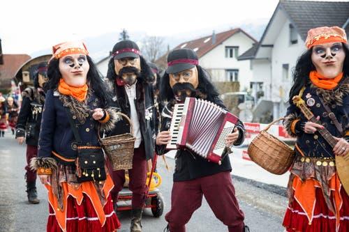 Am Fasnachtsumzug in Schachen: Die Kulturfasnächtler Ruswil (Motto: Zigeuner) (Bild: Manuela Jans-Koch, 2. März 2019)