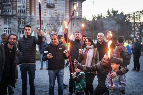 Rund 150 Kurdinnen und Kurden aus der weiteren Region nahmen am Newroz-Fest in St.Gallen teil.