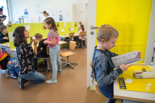 Blick ins Klassenzimmer der Erst- und Zweitklässler. (Bilder: Dominik Wunderli, Buochs, 13. März 2019)