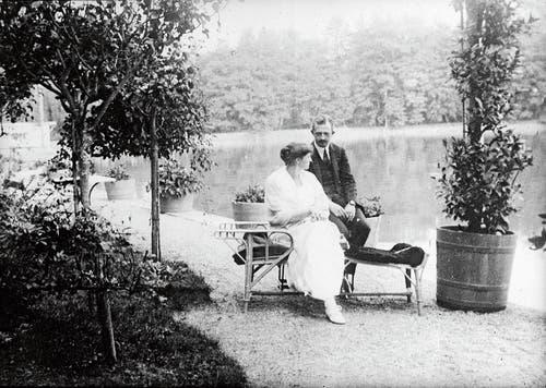 Karl und Zita Habsburg auf Schloss Hertenstein. (Bild: Heinrich Schuhmann/KEY (Weggis, 3. Oktober 1921))