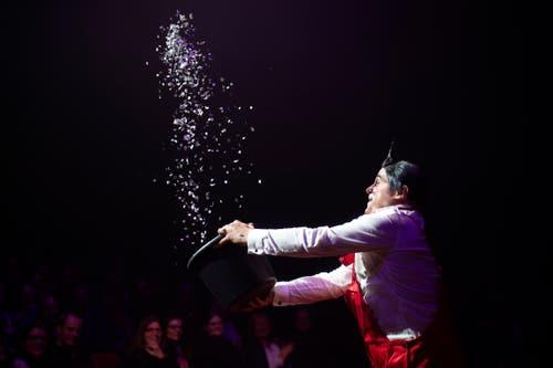 Clown Davis Vassallo während seinem Auftritt an der Premiere zur 100-Jahre-Jubiläumstournee des Circus Knie in Rapperswil (SG), am Donnerstag, 21. März 2019. (Bild: Keystone/Melanie Duchene)