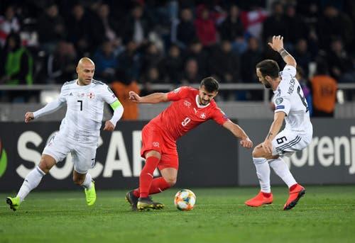 Alban Ajeti, Note 4.5: In der 60. Minute für Gavranovic eingewechselt. Müsste ein Tor schiessen. Trotzdem wirkungsvoller als Gavranovic. (Bild: Toto Marti/Blick/freshfocus, Tiflis, 23. März 2019)