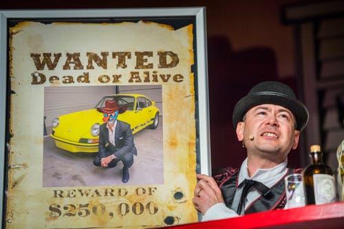 Barkeeper Ben (Andreas Plüer sucht einen Wagenfälscher. (Bild: Andrea Stalder)