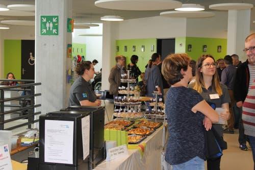 Für Gespräche zu Kaffee und Kuchen hatte es an den beiden Tagen der offenen Tür im Foyer Platz.