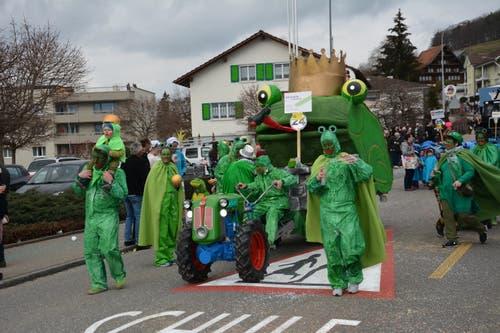 Knallfrösche waren auch in Lütisburg auf der Suche nach der Prinzessin. (Bild: Beat Lanzendorfer, 2. März 2019)