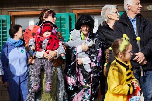 Auch die Zuschauer sind in Altishofen fansächtlich gekleidet. (Bild: Jakob Ineichen, Altishofen, 3. März 2019)