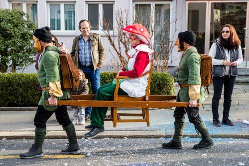 Die Maskengruppe Rigilüüt am Umzug in Meggen. (Bild: Philipp Schmidli, Meggen, 3. März 2019)