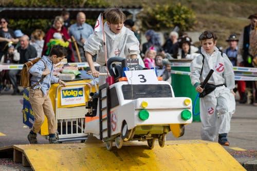 Wie viele Gespenster werden die Geisterjäger wohl während des Scheesen- und Garettenrennens in Udligenswil erwischen? (Bild: Philipp Schmidli, 3. März 2019)