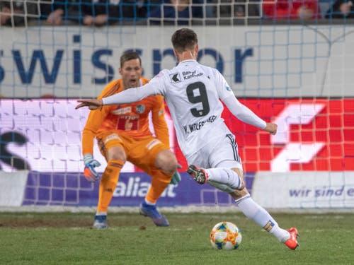 Ricky van Wolfswinkel verpasste in der Schlussphase das 2:0 für den FC Basel (Bild: KEYSTONE/URS FLUEELER)
