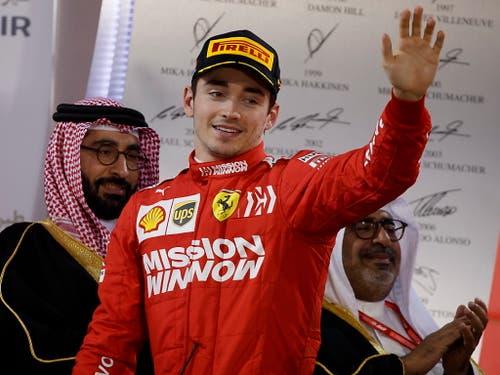 Der heimliche Sieger: Charles Leclerc im Ferrari fährt seinem ersten GP-Sieg entgegen, ehe ihm technische Probleme einen Strich durch die Rechnung machen. Der 21-jährige Monegassen wird am Ende Dritter - sein erster Podestplatz (Bild: KEYSTONE/EPA/VALDRIN XHEMAJ)