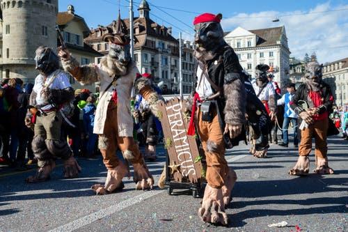 Peramicus Ebikon mit dem Motto Die Landratten von Tortuga am Wey-Umzug am Montag, 4. März 2019 in Luzern.