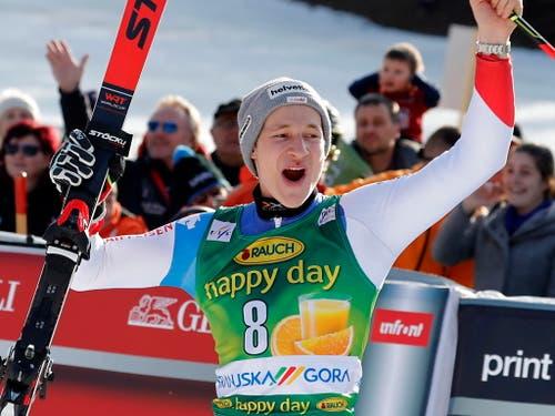Marco Odermatt freut sich über seinen ersten Podiumsplatz im Weltcup (Bild: KEYSTONE/EPA/ANTONIO BAT)