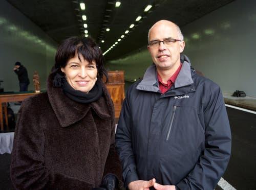 An der Eröffnung des A8-Tunnels in Lungern: Doris Leuthard und der Lungerer Gemeindepräsident Josef Vogler. (Bild: Romano Cuonz, 10. Dezember 2012)