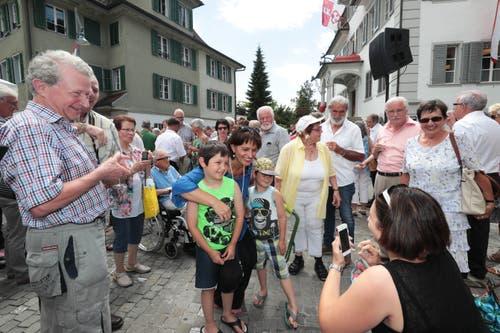 Auf der Bundesratsreise macht Doris Leuthard Halt in Sarnen. (Bild: Roger Zbinden, 7. Juli 2017)