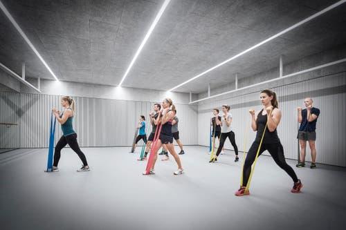 Gymnastikraum für Sporttrainings mit Sportboden und Spiegelwand. (Bild: PD)