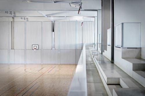 Die Dreifachsporthalle bietet auch Platz für 150 Zuschauer. (Bild: PD)