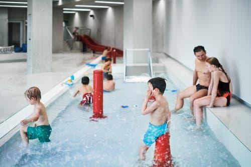 Kids-Pool mit Wasserattraktionen und kleiner Rutsche, 32-34 Grad. (Bild: PD)