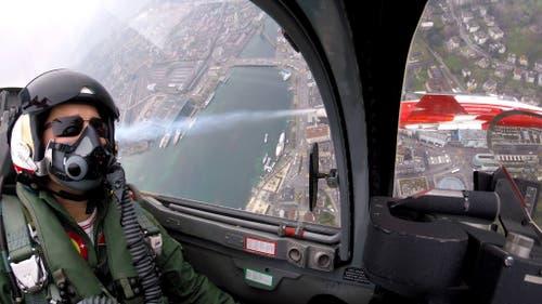 Manöver der Patrouille Suisse über der Stadt Luzern. (Bild: Luftwaffe, 12. April 2019)