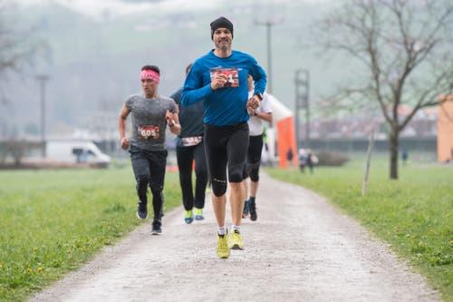 Läufer auf dem Weg zum Ziel. (Bild: Boris Bürgisser, Stans, 14. April 2019)