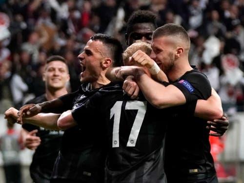 Eintracht Frankfurt drehte gegen Benfica Lissabon die Partie und steht nach 39 Jahren wieder einmal in einem Europacup-Halbfinal (Bild: KEYSTONE/EPA/RONALD WITTEK)