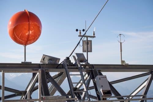 ...weitere Wind-Messgeräte installiert. Damit sollen die Passagiere...(Bilder: Ralph Ribi)