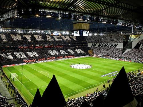 Die Fans bereiteten ihrem Team einen begeisternden Empfang (Bild: KEYSTONE/EPA/SASCHA STEINBACH)