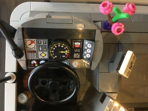 Das Cockpit des Chauffeurs. (Bild: Roger Rüegger, Küssnacht, 7. März 2019)