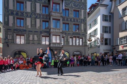 Die Tanzschule «WannaDance» begeisterte mit einem Paarauftritt. (Bild: Pius Amrein, Luzern, 20. April 2019)