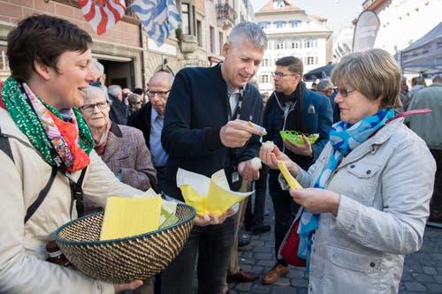 Der Mann mit der Mayo: Christian Peter Meier (Leiter regionale Ressorts) war zur Stelle, wenn es an «Schmiermittel» mangelte. (Bild: Eveline Beerkircher, Luzern, 20. April 2019)