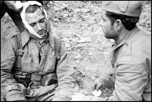 Gerda Taro: Verwundeter republikanischer Kämpfer im Spanischen Bürgerkrieg, fotografiert Mai/Juni 1937. (Bild: Bild Magnum Photos/Gerda Taro/Keystone)