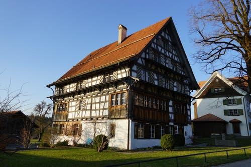 Prunkstück des Weilers ist das «alte Rathaus».
