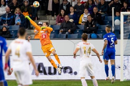 In der 80. Minute der folgenschwere Fehler von FCL-Goalie David Zibung. (Bild: Philipp Schmidli)
