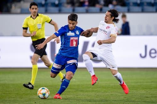 Luzerns Francisco Rodriguez (links) gegen Thuns Nelson Ferreira. (Bild: Philipp Schmidli)