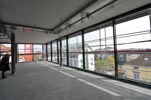 2. Obergeschoss. Fitness-Center mit Blick auf die Kirchstrasse.